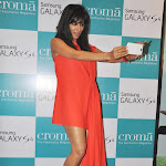 Chitrangada Singh Super Sexy Legs Show At The Launch Of Samsung Galaxy S4 Smartphone