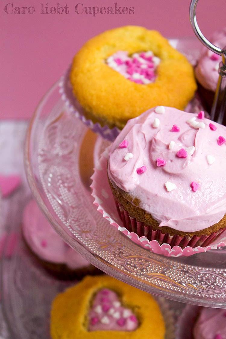 Vanille-Muffins, Schoko-Cupcakes mit Kirschen