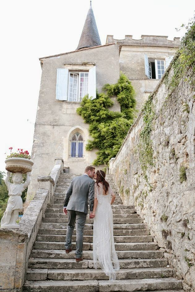 http://bridalmusings.com/2014/01/french-chateau-wedding-jenny-packham-wedding-dress/
