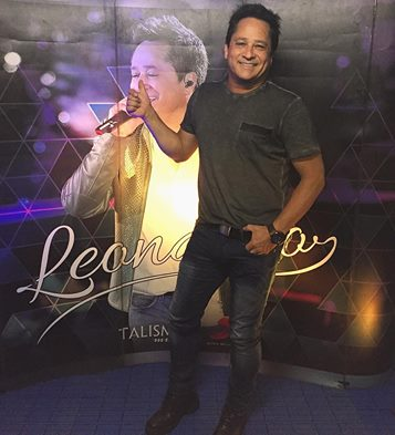 SHOW DO LEONARDO em   GUARAREMA SP 27092015