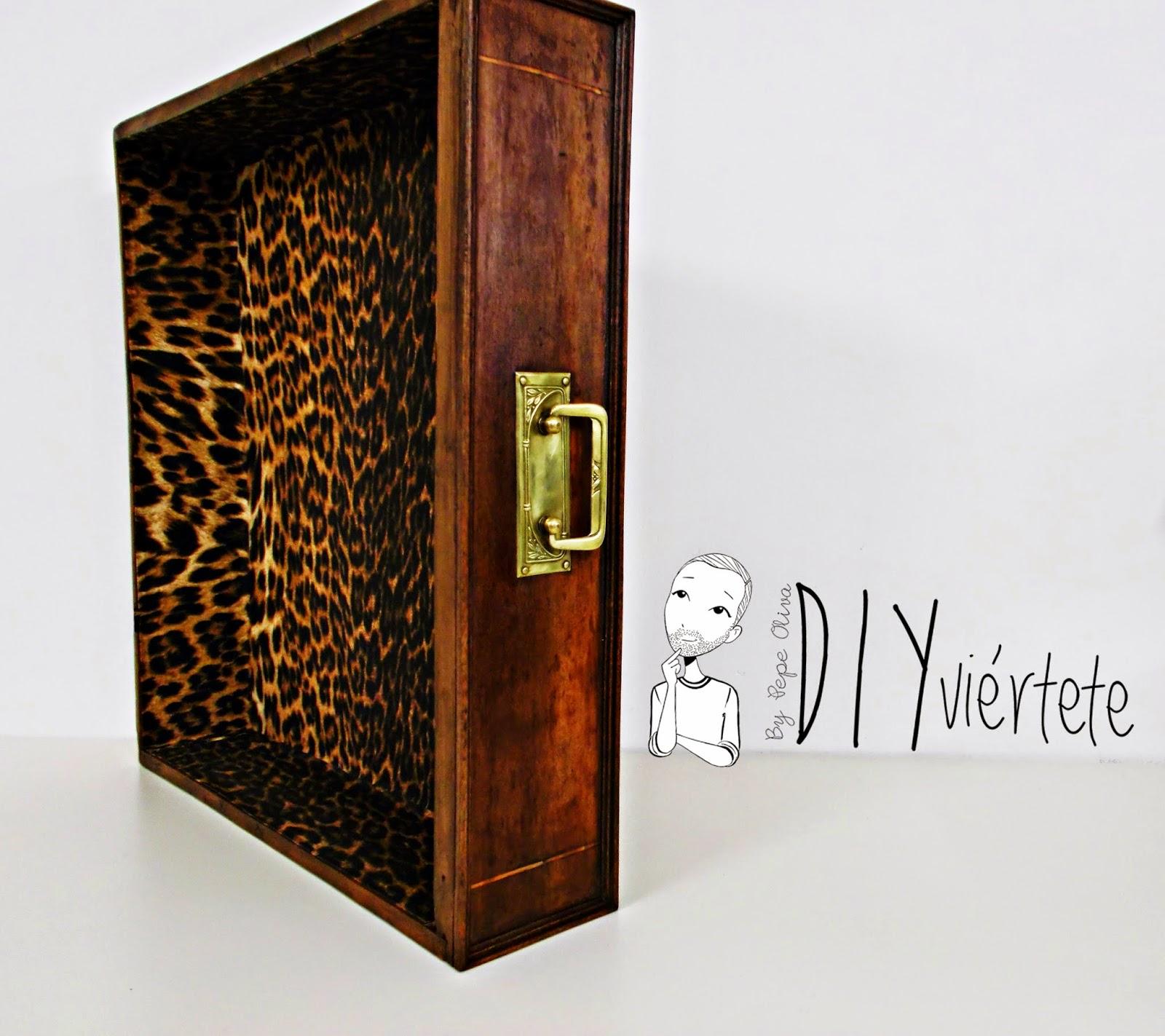 DIY-decoración-cómoda-mueble-restaurar-forrar-cajones-tela-leopardo-3