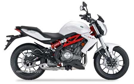 gambar motor Benelli TNT 250 putih