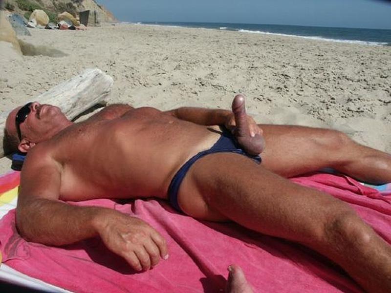 Фото Стояк На Пляже