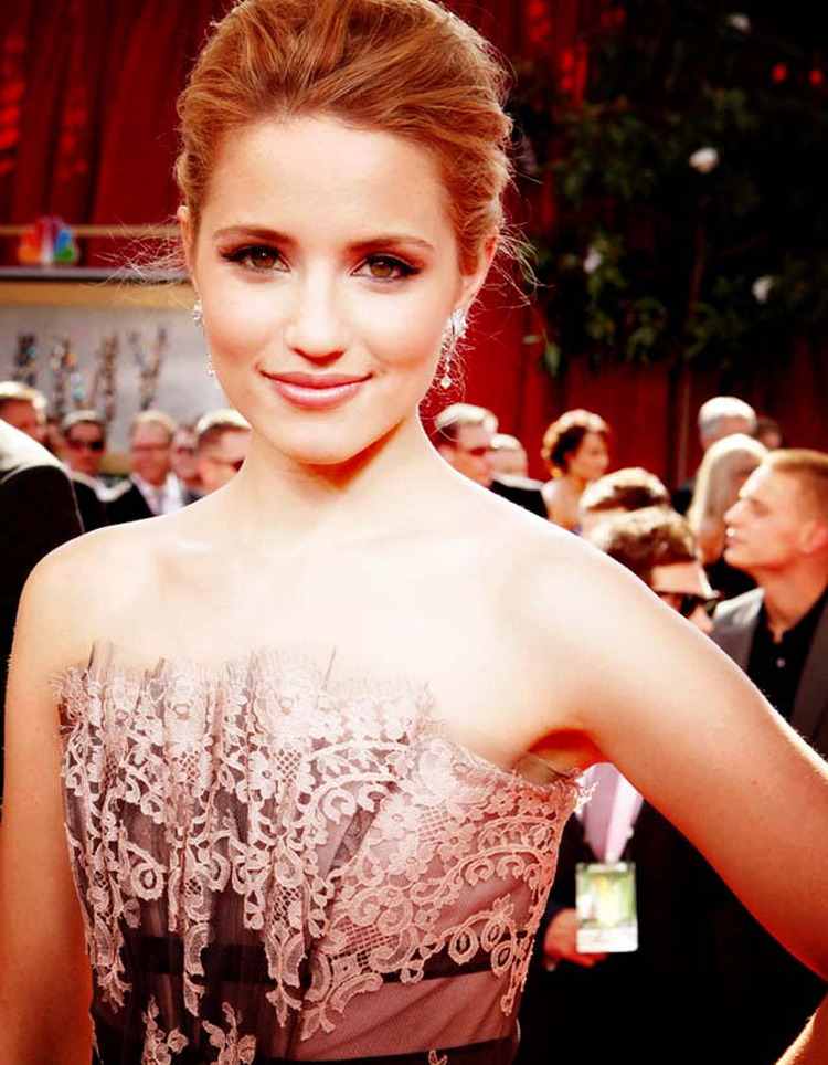 Fresh Look Celebrity Dianna Agron Hairstyles 30