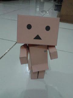 ... yaitu saat membuat boneka danbo dengan papercraft adalah saat membuat