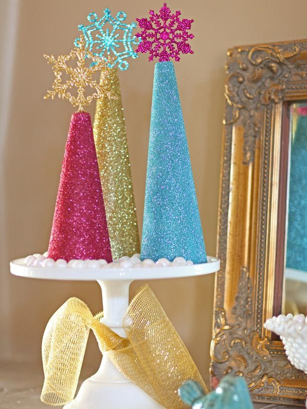 Modern furniture how to make glitter christmas tree for Home made christmas tree decorations