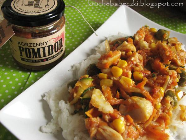 Dorsz z warzywami, ryżem i korzennym pomidorem od Luks Pomady :)
