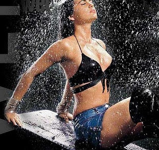Bollywood Wet Models and Actresses Wallpapers