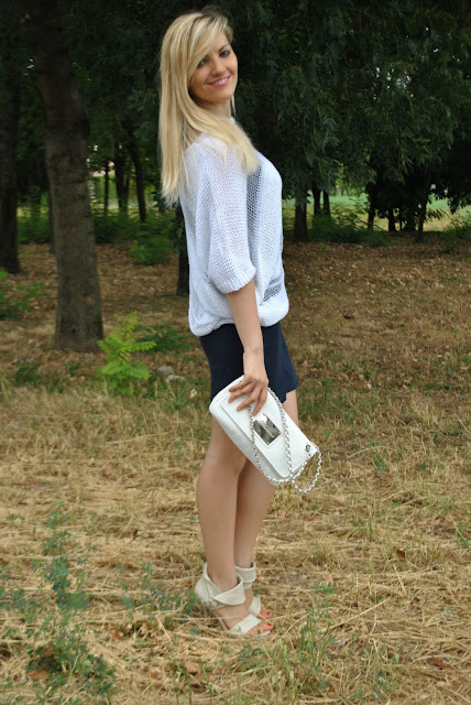 outfit bianco e blu come abbinare il bianco e blu abbinamenti bianco e blu outfit luglio 2015 outfit 31 luglio 2015 outfit estivi donna mariafelicia magno fashion blogger colorblock by felym blog di moda fashion blog italiani fashion blogger italiane fashion blogger bergamo fashion blogger milano summer outfits blue and white outfit fashion bloggers italy blonde hair blonde girls blondie bionde e tacchi vestiti estate 2015