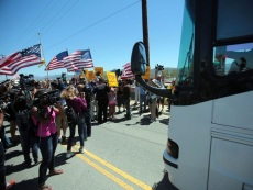 California: Crowd of Protesters Block Illegals From Entering U.S. Border Patrol Station
