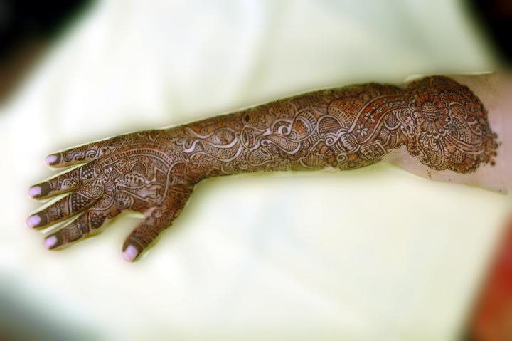 Mehndi Bridal Back Side : Henna sense bridal mehndi hands back of