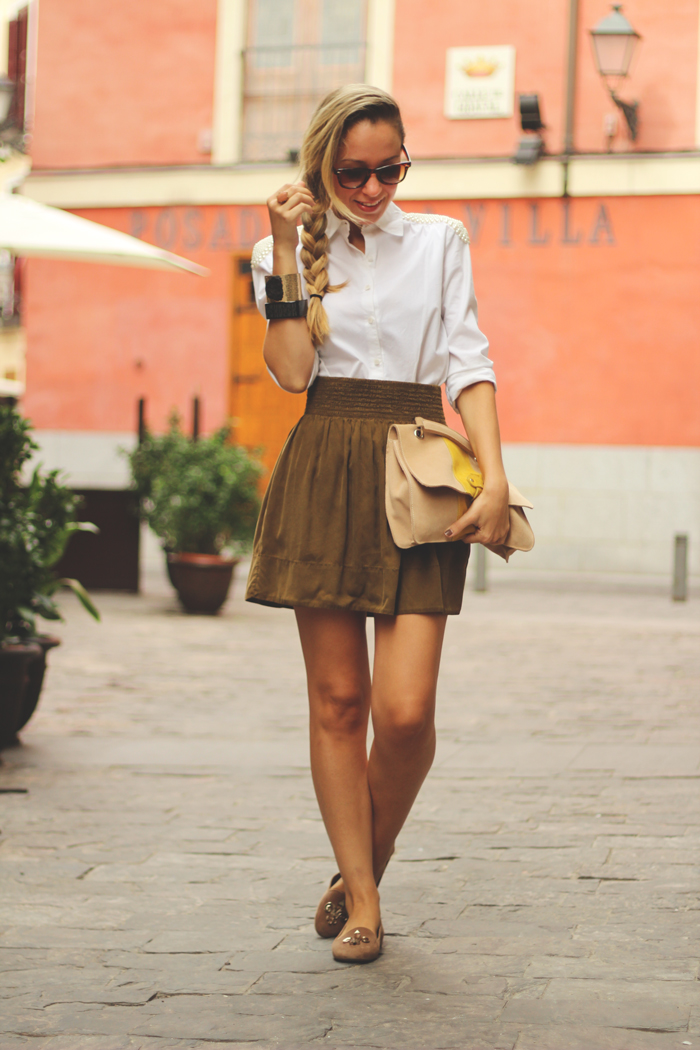 My Showroom, Street Style, Kakhi Skirt, slippers, white shirt,