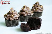 http://fascynacjasmakiem.blogspot.com/2013/10/czekoladowe-cupcakes-lub-jak-kto-woli.html