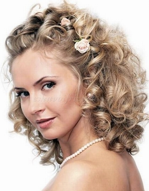 stunning curly wedding hair style for ladies hairstyles for women. Black Bedroom Furniture Sets. Home Design Ideas