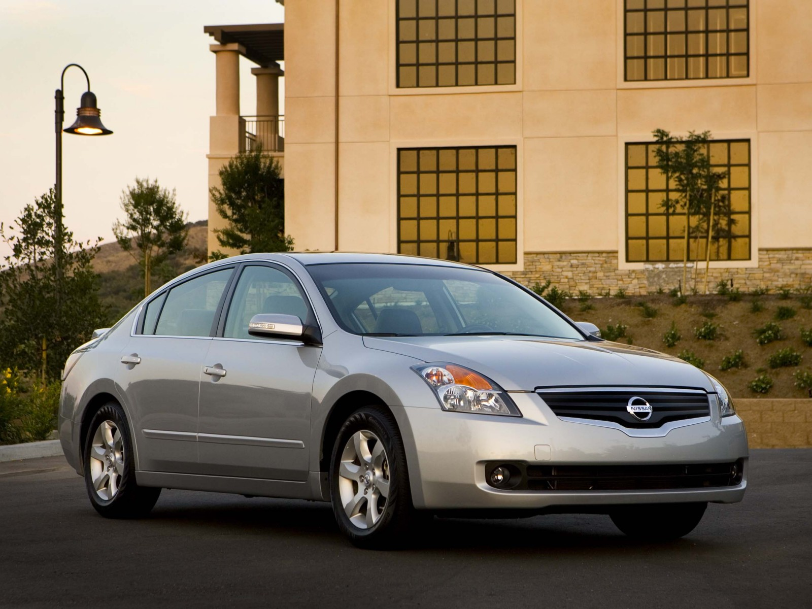 2009 nissan altima sl wallpapers pictures specifications interiors and exteriors images. Black Bedroom Furniture Sets. Home Design Ideas