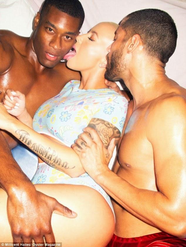 أشعر بالجاذبية عندما أكون عارية! امبر روز في صور ساخنة لمجلة Oyster