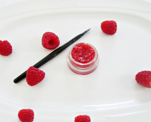 How to Make Your Own Lip Stain