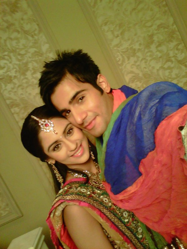 Offscreen Pics Of Karan Krystle Nia - SEXY TV Celebrity Pictures - Famous Celebrity Picture