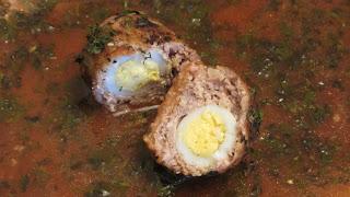 котлеты с перепелиными яйцами в разрезе