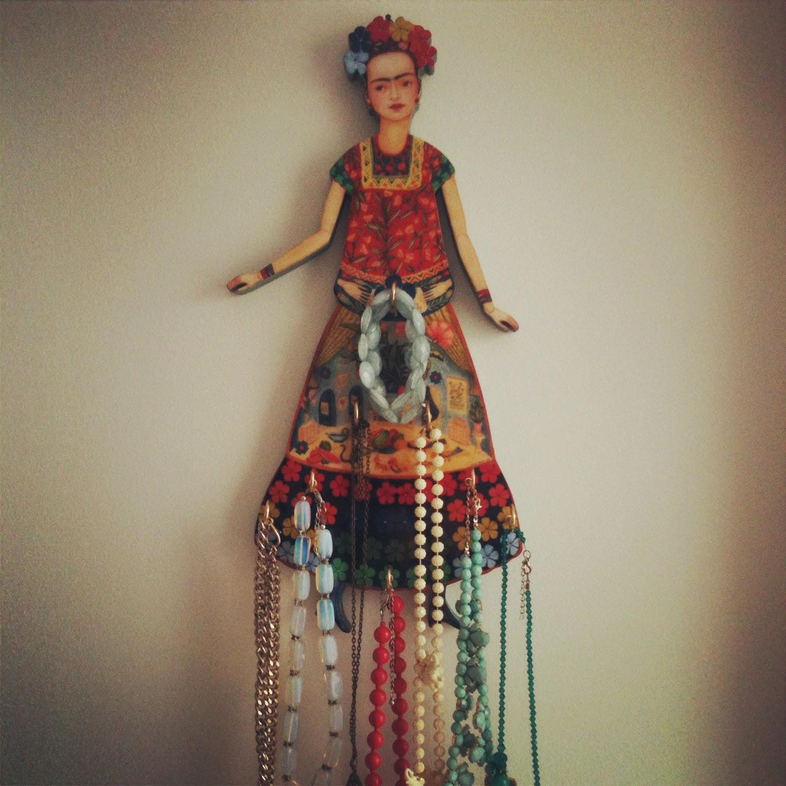 Frida cuelga sus collares