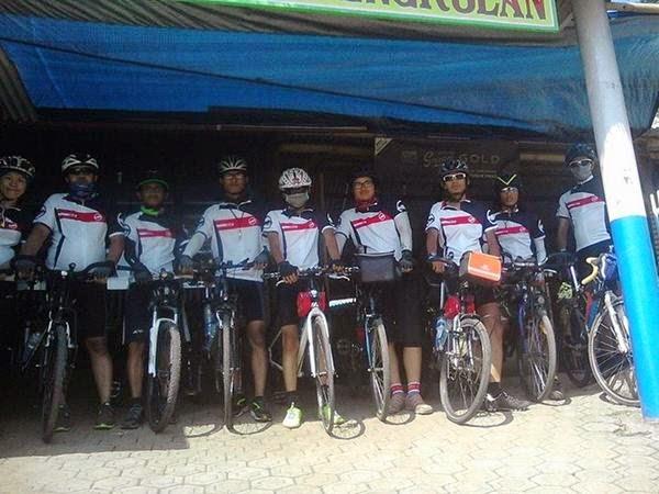 9 pesepeda Jakarta - Bali