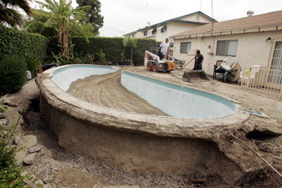 Is It Safe To Leave My Swimming Pool Drained