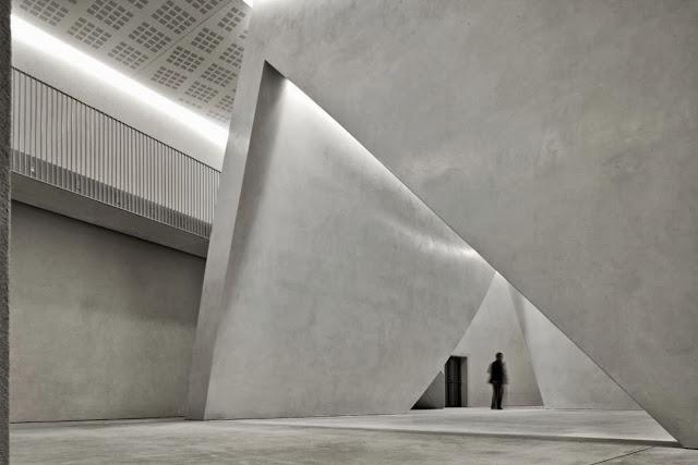 03-The-Teatrino-of-Palazzo-Grassi-by-Tadao-Ando