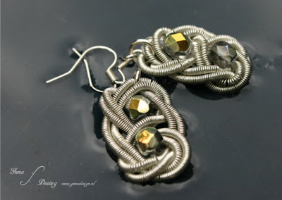 Coiled wire earrings Celtic square or Reef knot with beads made by Gunadesign