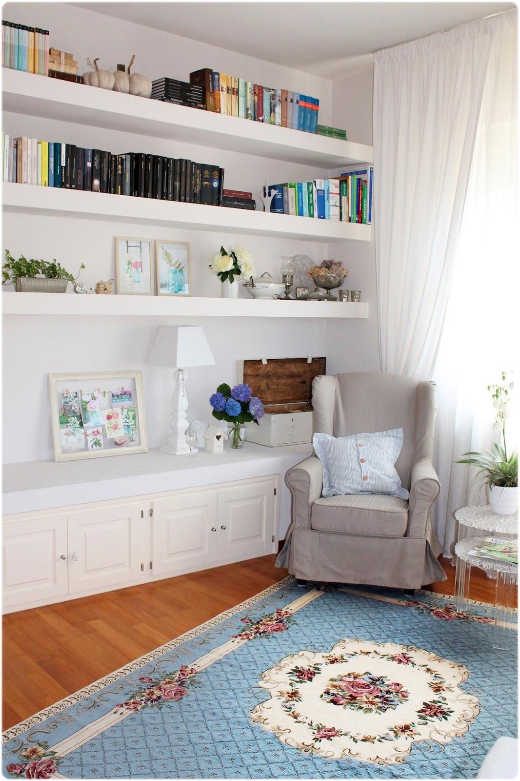 pareti soggiorno azzurro ~ idee per il design della casa - Soggiorno Azzurro