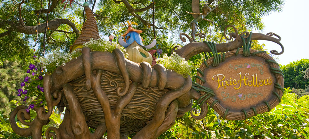 Meet Tinker Bell At Disneyland pixie hollow pictures
