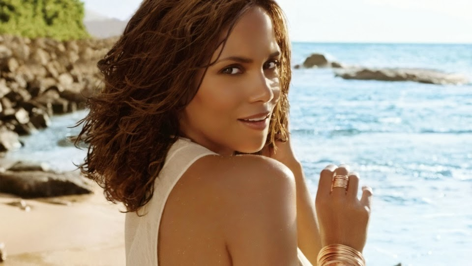 Halle Berry at the ocean side, top ten best Halle Berry Pic