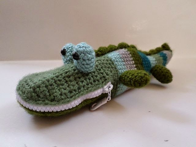 http://www.ravelry.com/projects/aniston31/mister-snaps