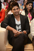 Allu Arjun Stylish Photos-thumbnail-15