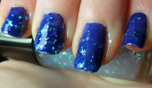 No 7 Twinkle Glitter Swatch