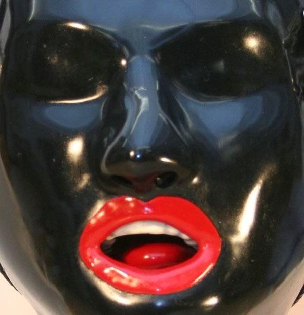 Fetish Inspirations : Plastic Mask & Lips