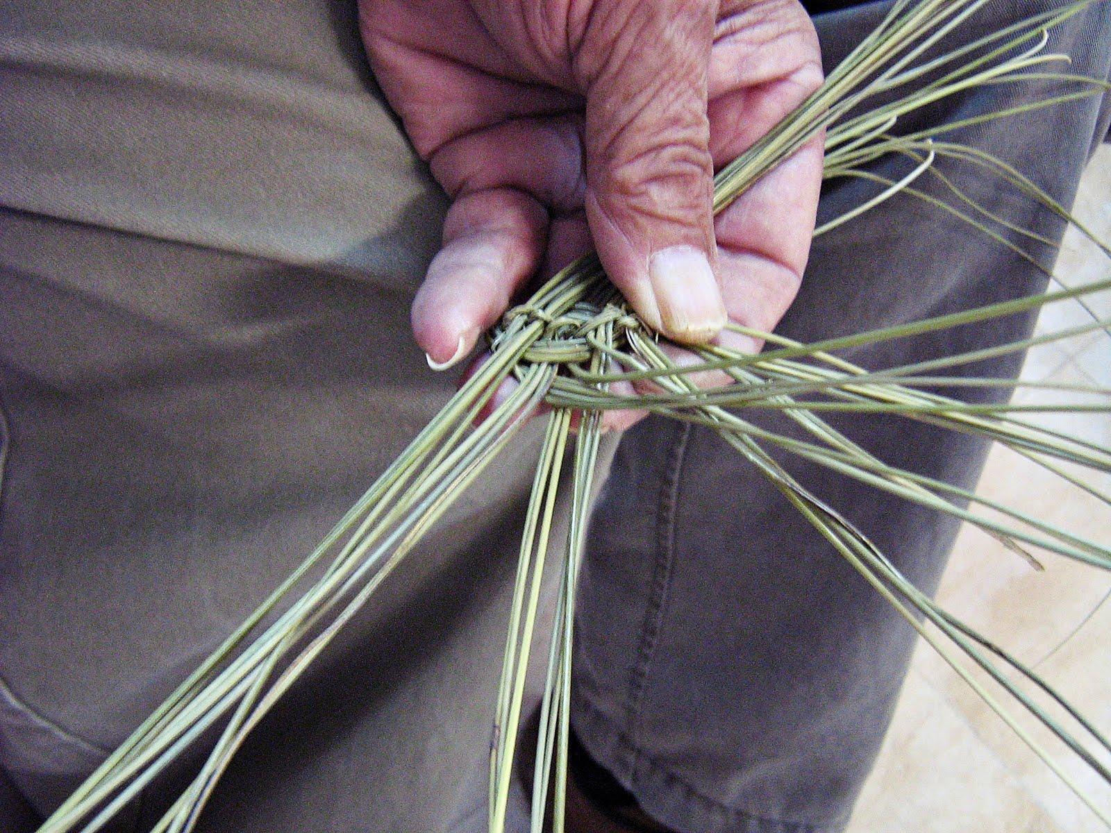 How To Make A Woven Grass Basket : My castle in spain weaving esparto grass