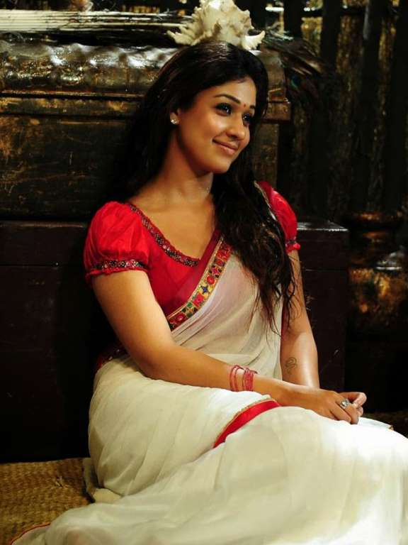 Not deceived South indian actress hot in saree