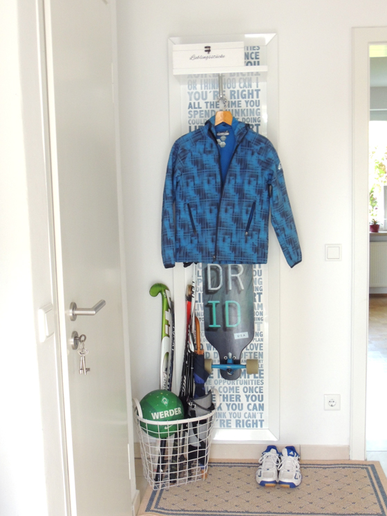 Diy pimp my garderoben paneel for Garderobe platzsparend