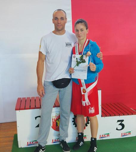 Kinga Szlachcic z Trenerem SKF BOKSING Zielona Góra, Bogumiłem Połońskim.