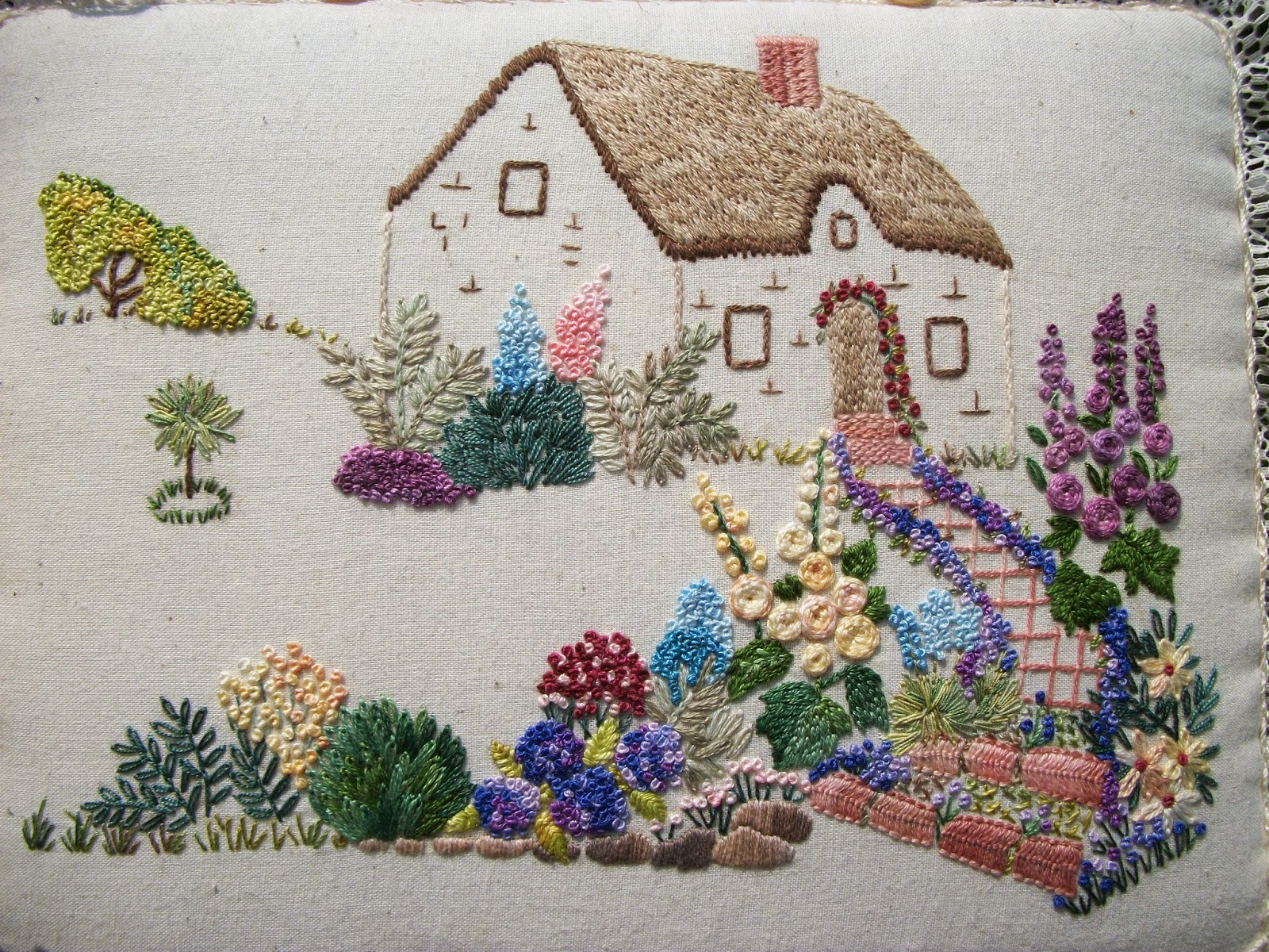 Hayfield cottage cottage garden embroidery for Garden embroidery designs free