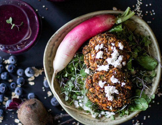 Quinoa and kale patties and a beet berry smoothie.