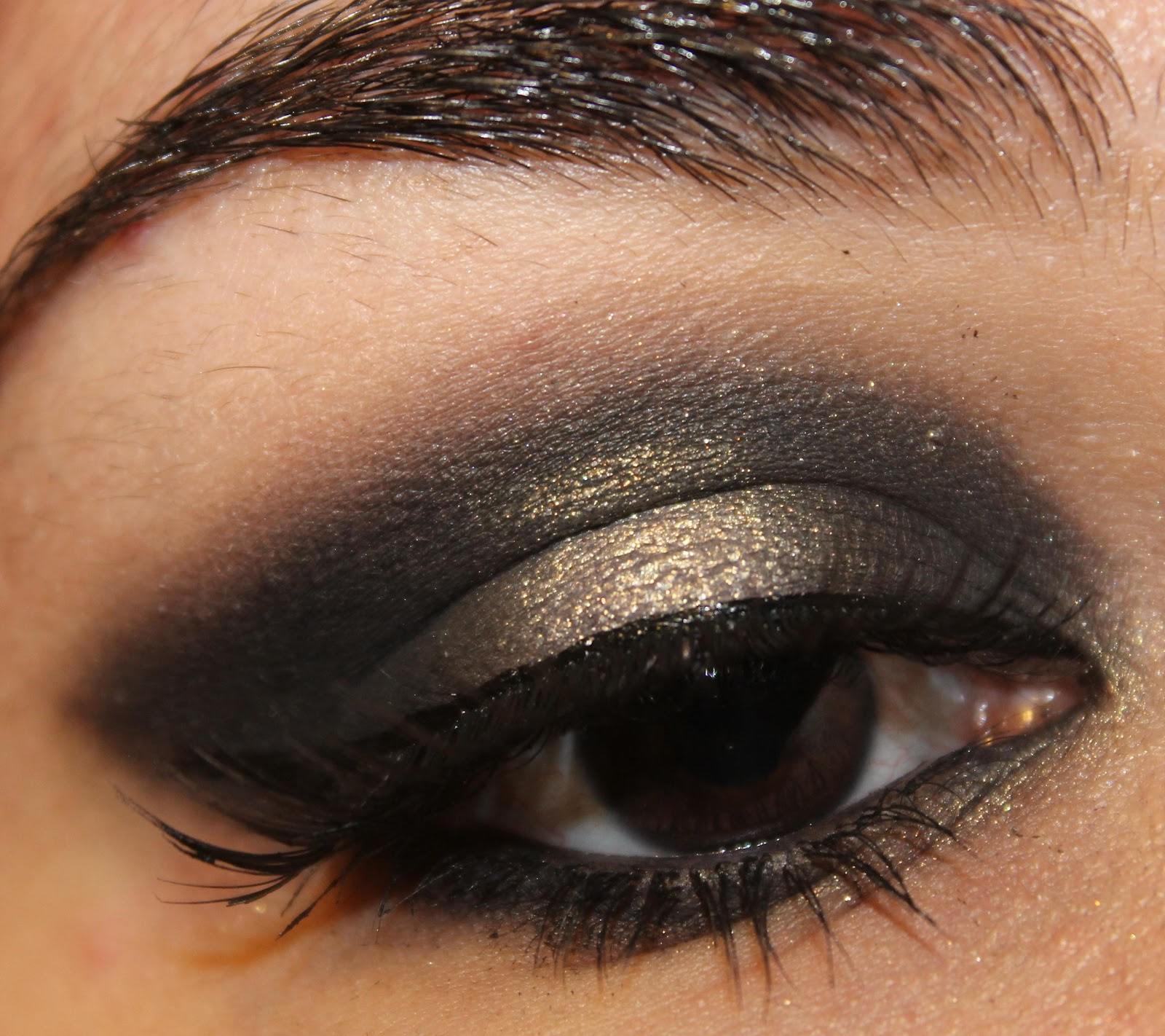 Gold And Black Eyeshadow Tutorial