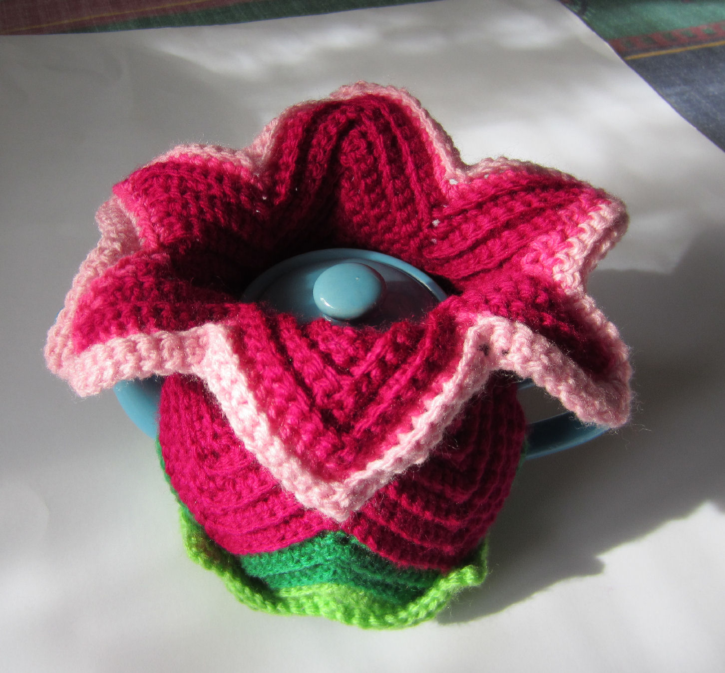 Justjen knits stitches daylily tea cosy for mother 39 s day for Tea cosy template