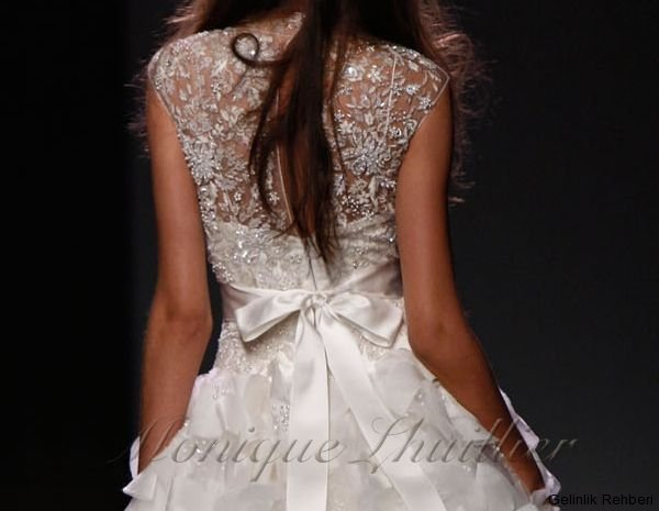wedding dress 2011