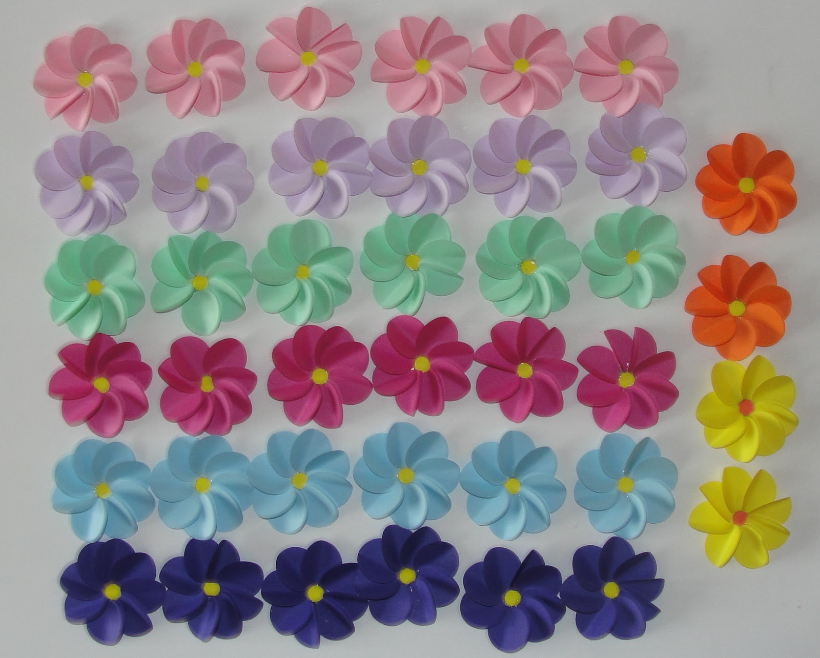 When life happens paper flowers tutorial i live in a very small town with one semi decent craft shop the main problem for me is the fact that i cant get any paper flowers for a decent price mightylinksfo