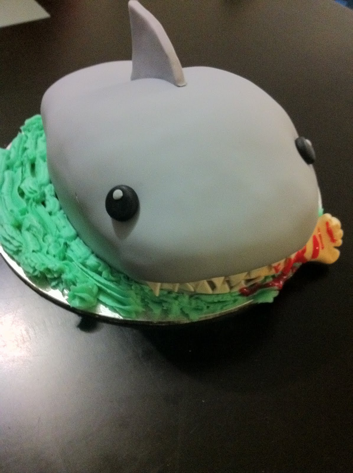 Cake Decorating Qualifications : Mandylicious Cakes: Joshy s Shark Cake