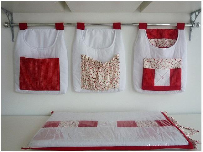 Quarto de menina vermelho e branco Artelão Tudo junto  ~ Quarto Rosa E Vermelho