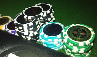 Zu Beginn der Partie bekommen Spieler bei Friesland Poker 10.000 Chips.