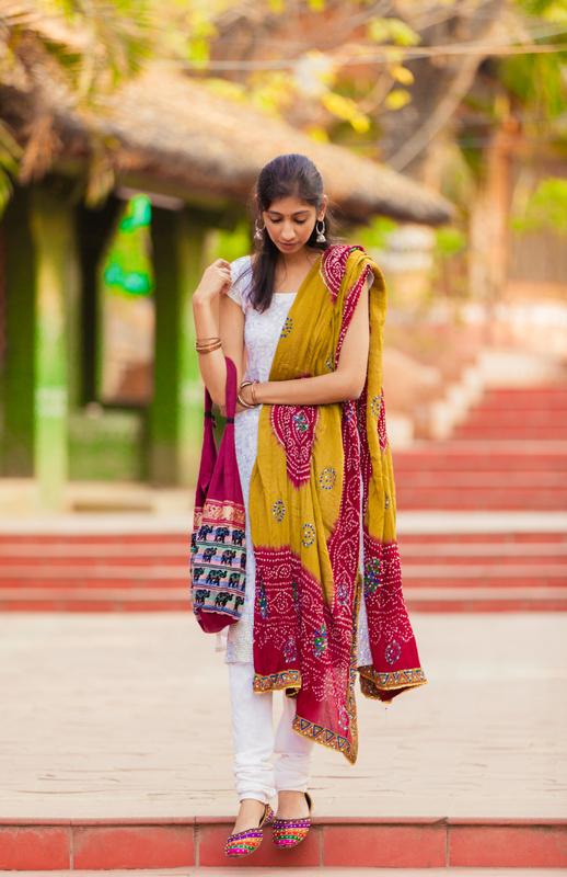 best indian fashion blog, bandhani dupatta indian fashion blog, top indian fashion blog