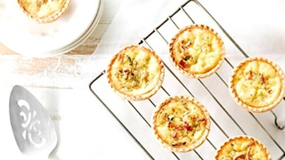 Petites Quiches Aux Pommes Et Au Bacon